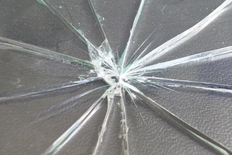 Glaslackierung Glassplitterschutz lackiert
