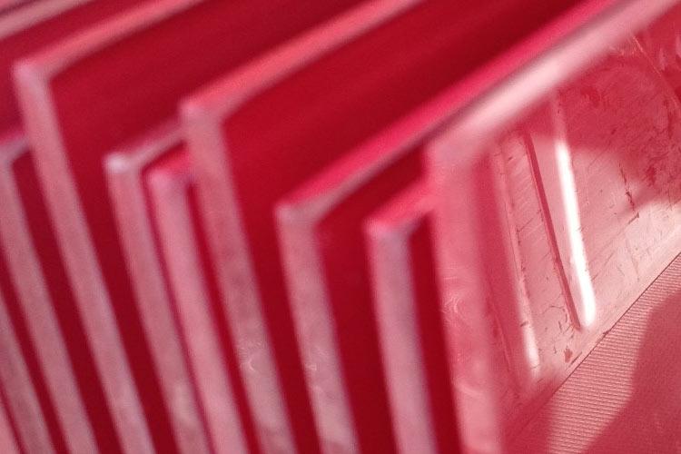 Glaslackierung Scheiben rot